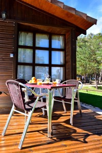 TERRAZA BUNGALOW CAMPING URBION